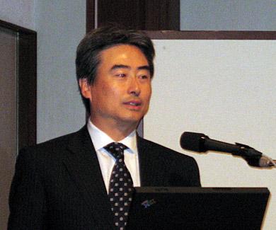 2007年を総括する吉田和正代表取締役共同社長