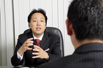 マクロミルの辻本秀幸代表取締役社長