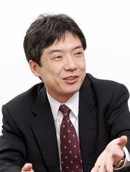 富士通株式会社 サービスビジネス本部 プロジェクト統括部長 兼 ネットワークサービス推進部長 飯島淳一氏