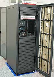 他社に先駆け、いち早くNehalem搭載を発表した日立のBladeSymphony BS2000