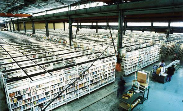 月間100万点のリサイクルを実現する商品センター