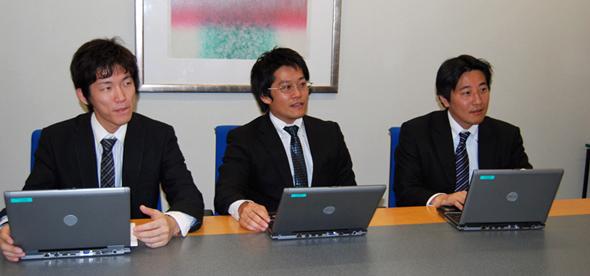 検証を担当した鷲尾氏、樫出氏、木村氏(右から)。デルはHyper-Vの導入効果を引き出すノウハウに長けたコンサルタント陣を抱えている