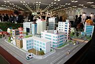 近未来の街のあり方をイメージした模型
