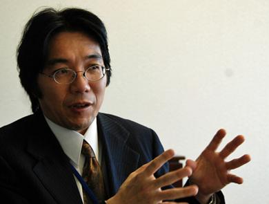 第1世代のデータセンターの限界と次世代のデータセンターの可能性について説く日本SGIマーケティング本部データセンタービジネス担当部長の増月孝信氏。