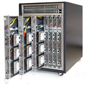 42Uのラックに最大912コアを搭載可能なSGI CloudRack。物理的な高密度化の極みに達しながら、低消費電力で他社の追随を許さない優れたサーバ設計は米国で先進的なネット企業から高い評価を受けている