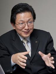 PHP研究所 情報システム本部 本部次長の森口孝幸氏