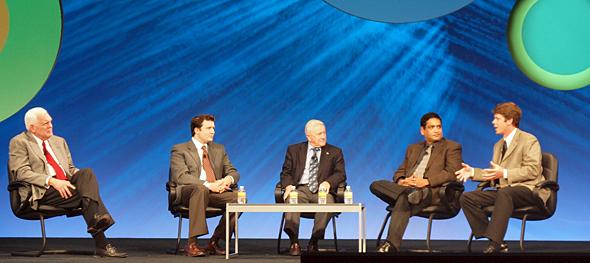 左からフランク・カーン氏(IBM)、スコット・フリーゼン氏(Best Buy)、スコット・フトレル氏(Gwinnett County Public Schools)、スリニバス・コーシック氏(Nationwide)、グレッグ・クリストファー氏(Nestle)