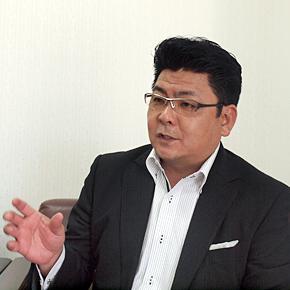 沖縄高速印刷の大嶺亮一社長。「社員が安定した生活を送れるように奮起するのが社長の役目」と語る