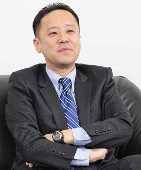 プロダクトビジネス推進委員会委員長を務める美濃和男氏。CRMアプリケーションベンダー、エイジアの代表取締役でもある。