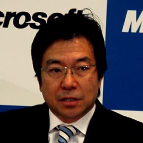 経営方針説明会に臨む日本マイクロソフトの樋口泰行社長