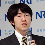 野村総合研究所 ICT・メディア産業コンサルティング部 主任コンサルタントの鈴木良介氏