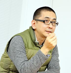 西村佳哲(にしむら よしあき)氏。1964年東京都生まれ。プランニング・ディレクター。武蔵野美術大学卒。つくる・書く・教える、三種類の仕事。建築分野を経て、ウェブサイトやミュージアム展示物など、各種デザインプロジェクトの企画・制作を重ねる。多摩美術大学などいくつかの教育機関で、デザインプランニングの講義やワークショップを担当。リビングワールド代表。全国教育系ワークショップフォーラム実行委員長(2002〜)。働き方研究家。著書に『自分の仕事をつくる』(晶文社)など