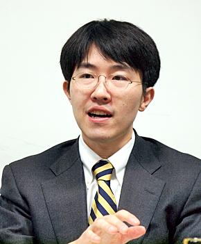 野村総合研究所 コンサルティング事業本部ICT・メディア産業コンサルティング部主任コンサルタントの鈴木良介氏