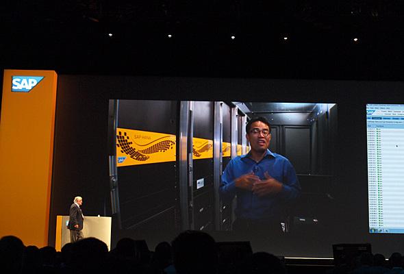 SAPの創設者の一人であるハッソー・プラットナー氏の講演では、サンタクララのデータセンターと中継をつないで力強くアピールした