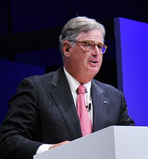 「リーダー自身が変わるべきだ」と語る米IBMのサミュエル・J・パルミサーノ会長(提供:日本IBM)