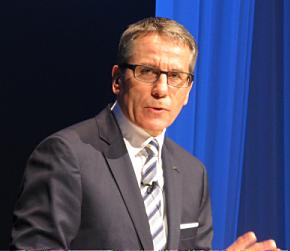 「IBMリーダーズ・フォーラム東北」で話す日本IBMのマーティン・イェッター社長