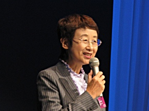 スピーチを行う奥山恵美子仙台市長
