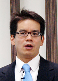 日本マイクロソフト 業務執行役員 Officeビジネス本部 本部長のロアン・カン氏