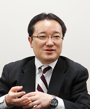 MIJSプロダクトビジネス推進委員会委員長を務めるネクスウェイの富加見順社長