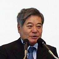 沖縄県副知事の与世田兼稔氏