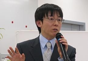 会見に臨むサイボウズの青野慶久社長