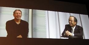基調講演で対談する米Oracleのラリー・エリソンCEO(左)とソフトバンク孫正義社長