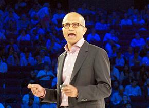 新たなパートナープログラムを発表する米Microsoft サーバ&ツールビジネス担当プレジデントのサトヤ・ナデラ氏