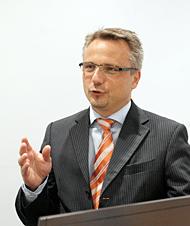 独Software AG シニアバイスプレジデントのフレドリッヒ・ニューメイヤー氏