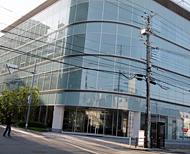 デサントの大阪オフィス。JR桃谷駅の目の前だ