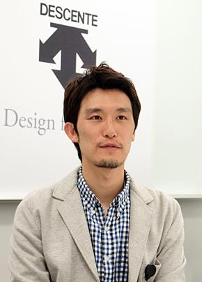 デサント 情報システム室 システム1課 主事の高丸久範さん。福岡県出身