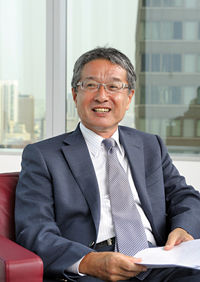 ブロードバンドタワー 代表取締役会長兼社長CEOの藤原洋氏