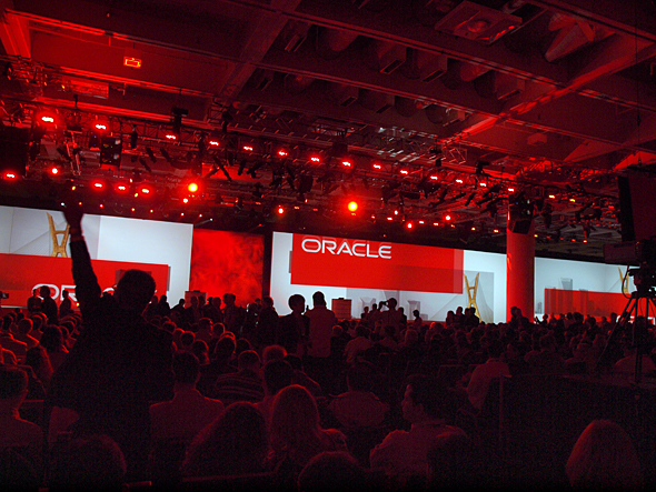 Oracle OpenWorld�����J���B����̃L�[�m�[�g�ɂ͍��N���吨�̐l�X���l�߂�����