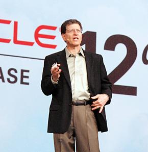 米Oracle データベースサーバ技術担当 シニアバイスプレジデントのアンドリュー・メンデルソン氏