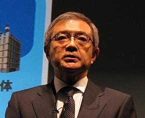 会見に臨むNECの清水隆明 取締役 執行役員常務兼CMO