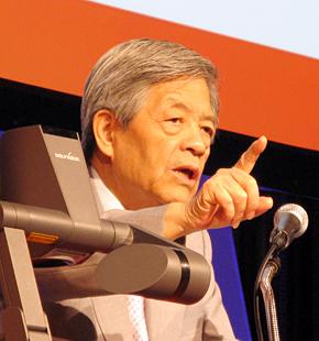 「レッドハット・フォーラム2013」で講演するジャーナリストの田原総一朗氏