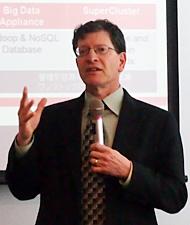 米Oracle データベースサーバ技術担当 エグゼクティブ・バイスプレジデントのアンドリュー・メンデルソン氏