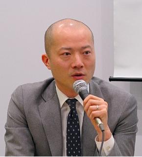 会見に臨むSAPジャパンの馬場渉バイスプレジデント クラウドファースト事業統括本部長