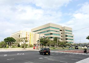 沖縄県情報産業協会や沖縄県産業振興公社が入居する沖縄産業支援センター
