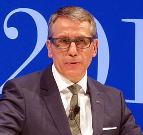 「IBMリーダーズ・フォーラム2014 Spring 北海道」で話す日本IBMのマーティン・イェッター社長