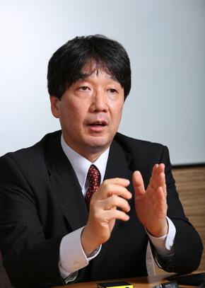 日本マイクロソフト パブリックセクター統括本部 官公庁事業本部 公共イノベーション推進室 シニアインダストリーマネジャーの天野浩史氏