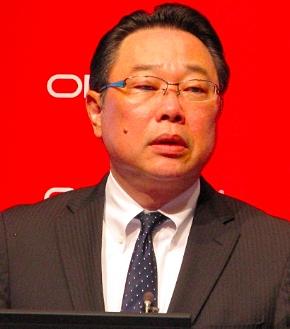 会見に臨む日本オラクルの杉原博茂代表執行役社長兼CEO