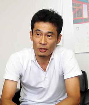 タワーレコード ITサービス本部 本部長の下田代 二郎さん。宮崎県出身