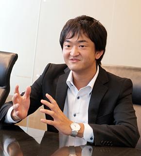 インテリジェンス メディアディビジョン メディア企画統括部 メディアプロデュース部 WEBサービスグループの富田直氏