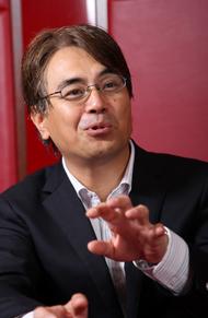 内山悟志氏