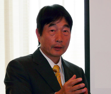 システムの業界標準化を図る椎木氏
