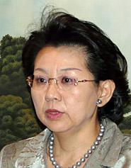 香港経済の最新動向を説明する日本主席代表の古田茂美氏