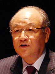 低炭素社会の実現に向けた取り組みを語るシャープの町田勝彦会長