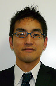 営業本部 営業第2グループの井関英明マネジャー