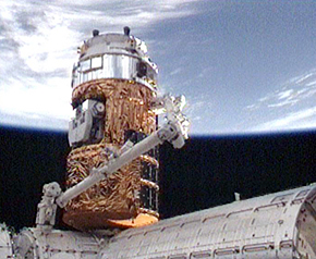 ISSに結合するHTV技術実証機(提供:NASA/JAXA)