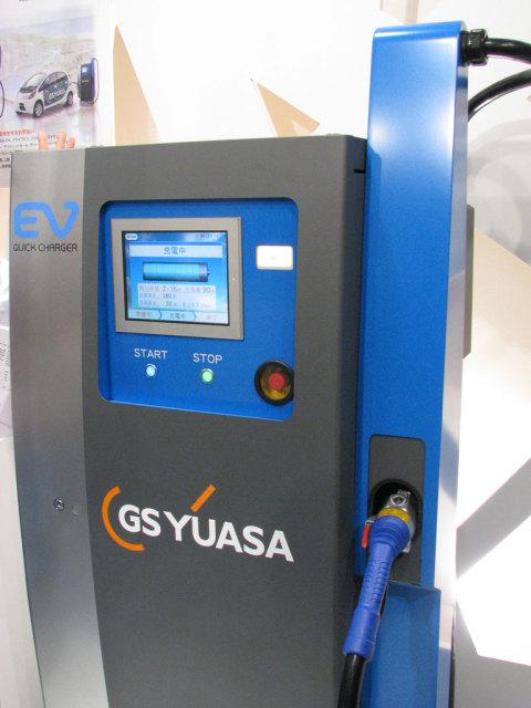 EV/PHEV用急速充電器。10キロワットから50キロワットまで、10キロワット単位で出力を上げられる構造となっている。発売は2010年6月の予定